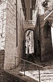 Alleyway. Spello. Umbria. — Stock Photo