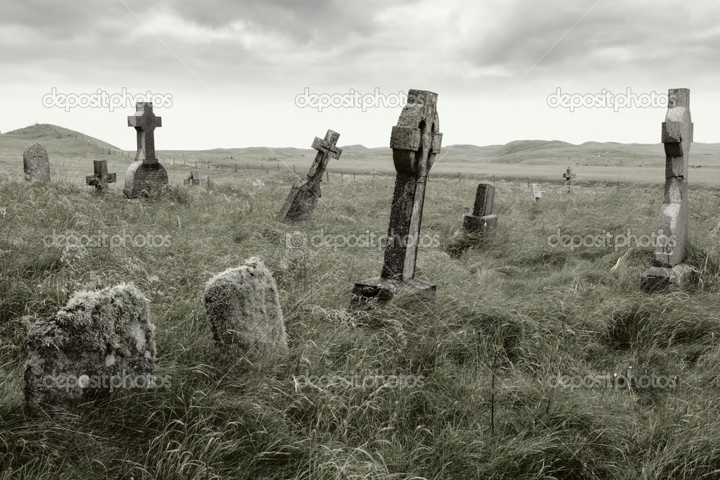 Ancient Celtic gravesite with unmarked gravestones from the 1600's in the middle of a meadow in rural Scotland. — Stock Photo #3051211