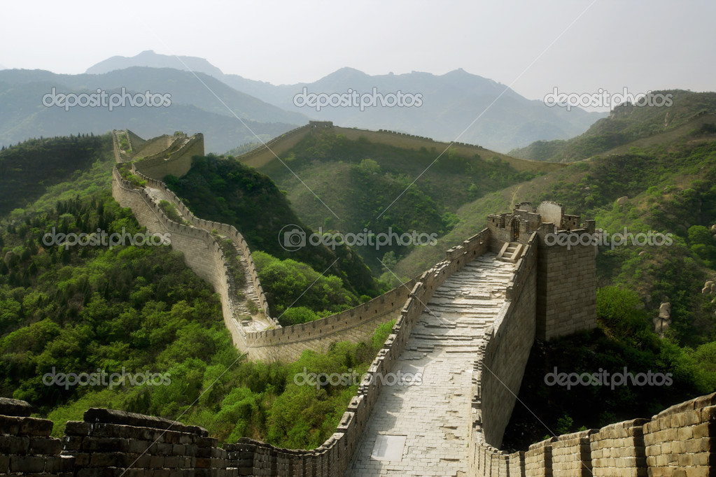 A section of The Great Wall of China, in Badaling.  Foto de Stock   #3097818