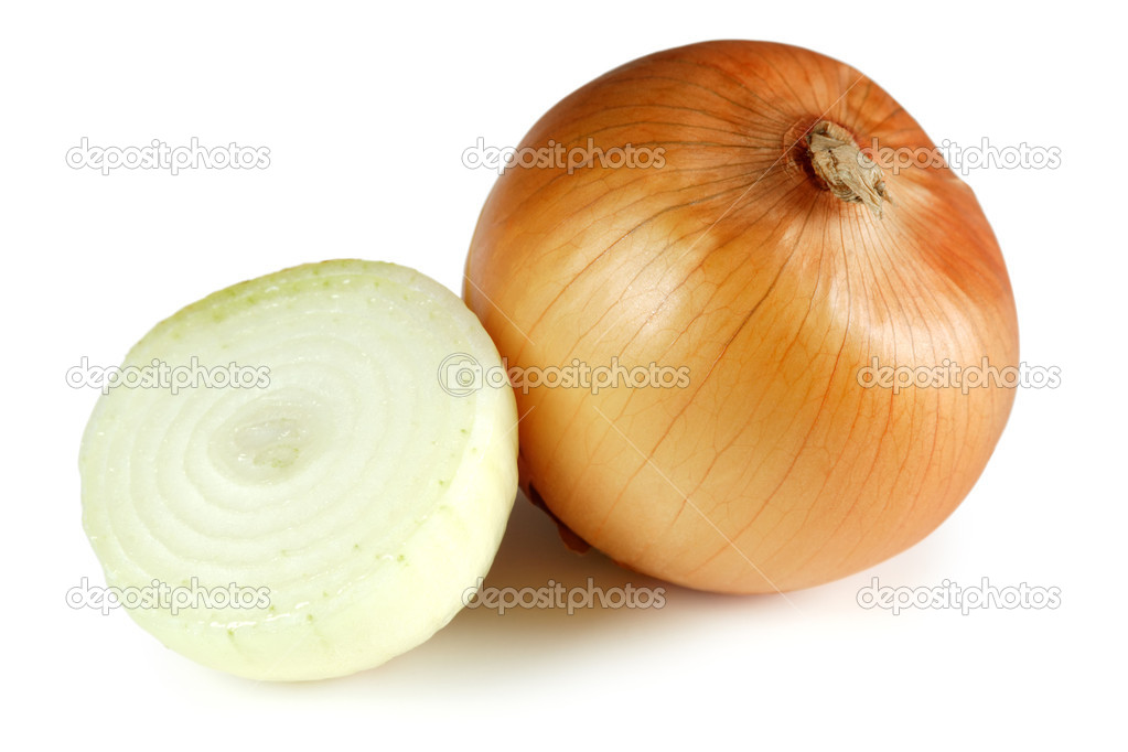 Photo of two onions, one full with the skin and one sliced in half. — Stock Photo #3148262