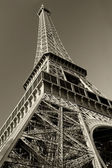 Eiffel Tower sepia — Stock Photo