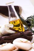 Olive oil, green leaf — Stock Photo