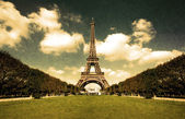 Grungy Eiffel tower postcard — Stock Photo
