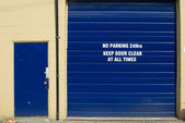 """""""No Parking 24hrs"""" — Stock Photo"""