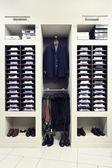 Ropa con estilo en tienda — Foto de Stock