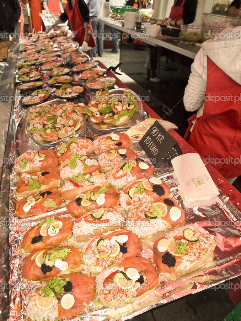 One of the typical counter tops in Bergen Fishmarket — Stock Photo #3142090