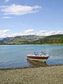 Yacht dans la lac sant antoni série — Photo