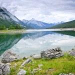 Lago de montaña en el Parque Nacional jasper — Foto de Stock
