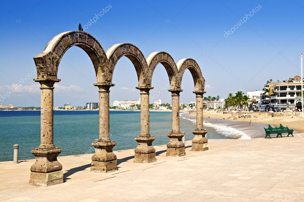 Los Arcos Amphitheater at Pacific ocean in Puerto Vallarta, Mexico — Stock Photo #4468436