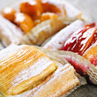 Pieces of fruit strudel - 图库照片