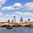 Blackfriars Bridge with London skyline — Foto de Stock
