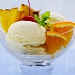 Ice cream with fruit — Stock Photo