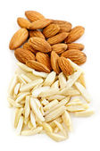 Slivered and whole almonds — Stock Photo
