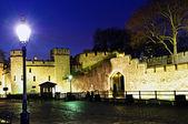 Tower of London walls at night — Stock Photo