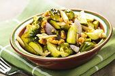 Kavrulmuş brüksel lahanası yemek — Stok fotoğraf