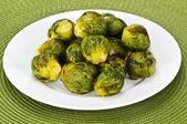 Plato de coles de bruselas — Foto de Stock