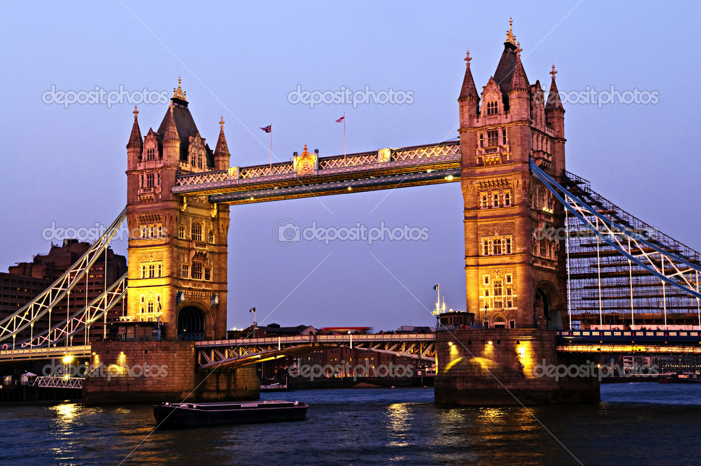 Tower bridge in London England at sunset over Thames river — Stock Photo #4482985