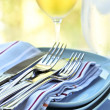 Plates and cutlery - Photo