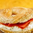 Bagel with smoked salmon and cream cheese — Stock Photo