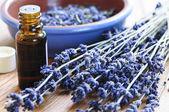 Levandule bylinkami a esenciální olej — Stock fotografie