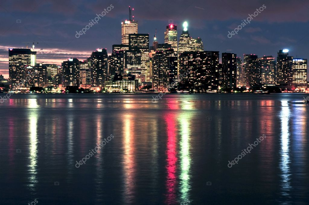 Scenic view at Toronto city waterfront skyline at night — Stock Photo #4566733