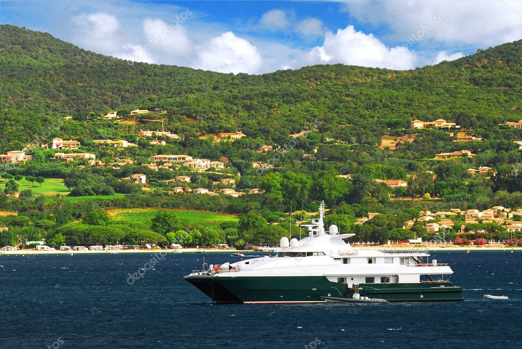 Luxury yacht at the mediterranean coast of French Riviera — Stock Photo #4641798