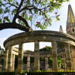 Rotunda of Illustrious Jalisciences and Guadalajara Cathedral in Jalisco, M — Stock Photo