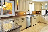 современный интерьер кухни — Стоковое фото