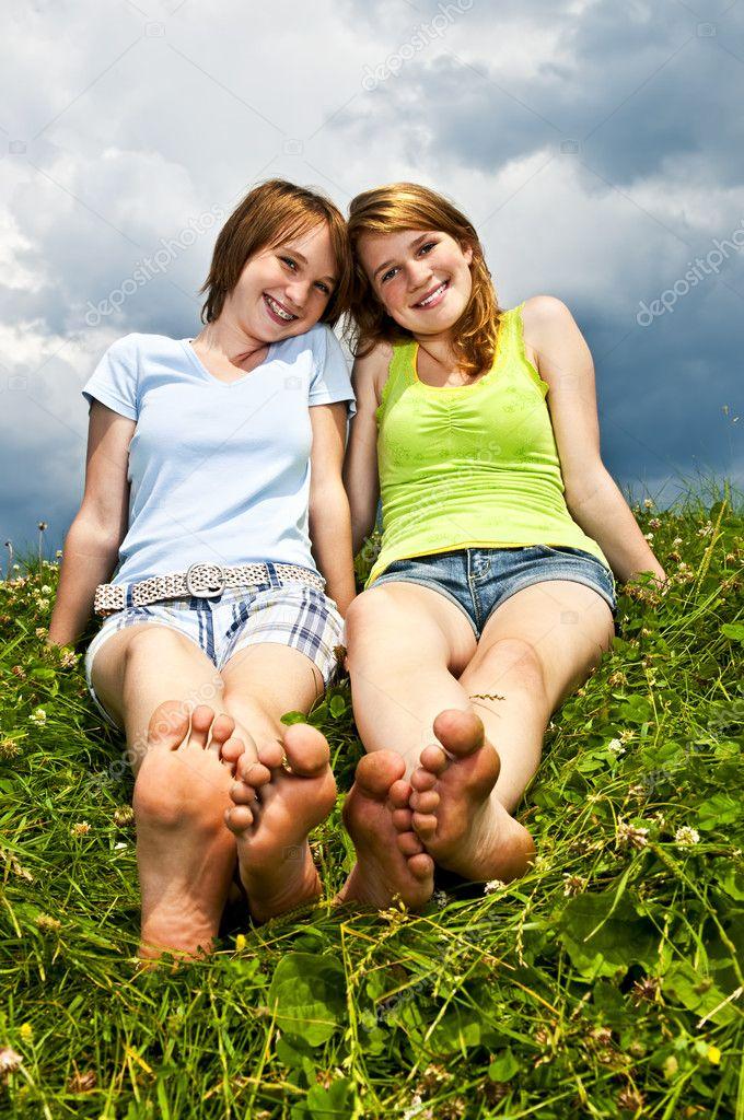 Junge Girls Probieren Lesbennummer Aus