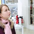 Teenage girl shopping - Stockfoto