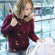 Teenage girl shopping - Stock fotografie
