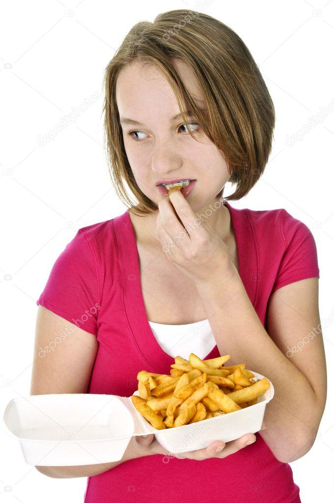 Фото детей которые едят чипсы