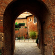Courtyard of Cathedral of Ste-Cecile in Albi France - Stockfoto