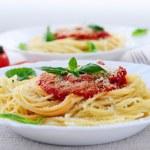 tricolormacarrão e molho de tomate — Foto Stock