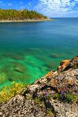 Scenic lake view — Stock Photo
