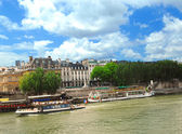 Boats on Seine — Stock Photo