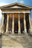 Roman temple in Nimes France — Stock Photo