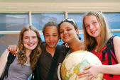 Dziewczyny w szkole — Zdjęcie stockowe