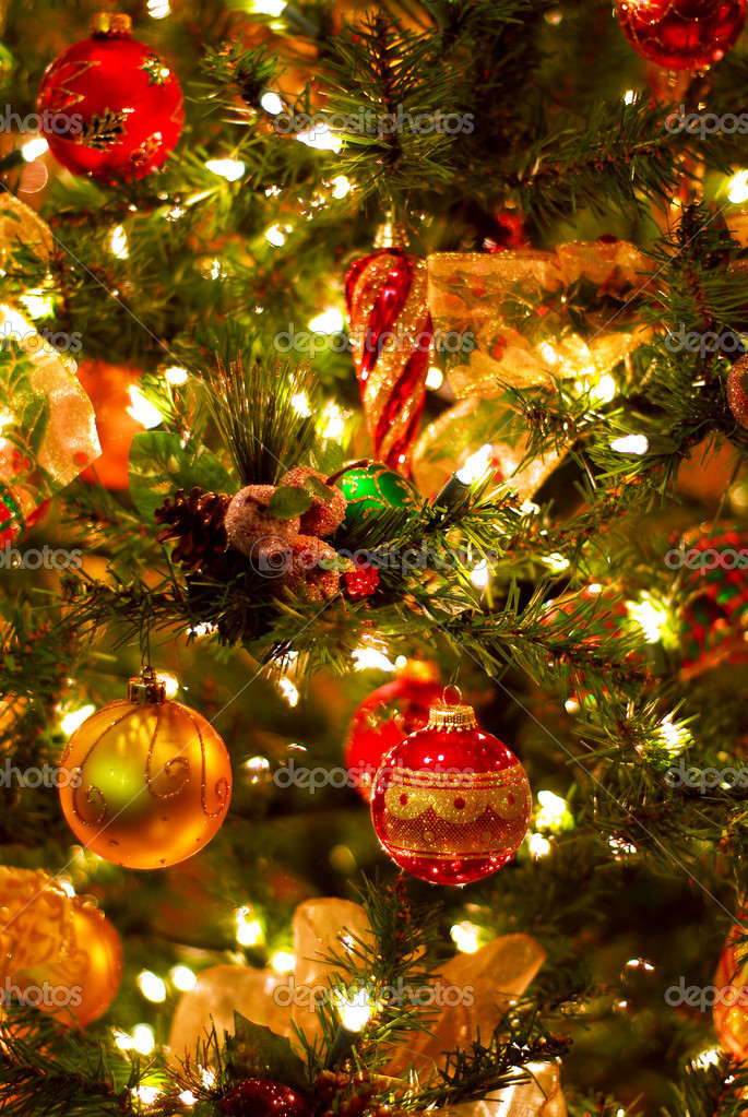 Background of decorated Christmas tree with lights  Foto de Stock   #4824287
