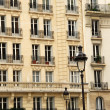 Paris windows — Stockfoto