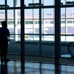 Woman airport — Stock Photo