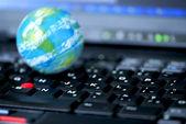 Internet dator verksamhet global — Stockfoto