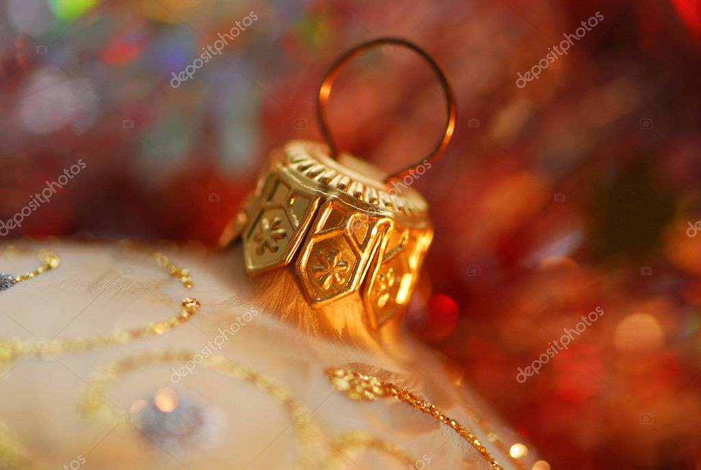 Closeup of golden christmas tree ornament glass ball — Stock fotografie #4949121