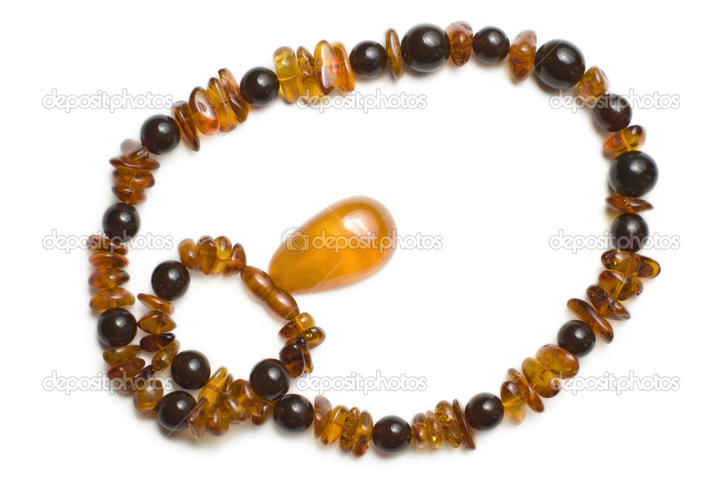 Amber necklace view from the top isoalated on white — Foto Stock #3252051