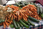 Organic vegetables at the farmers market — Stock Photo