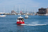 Boating in a harbor — Stock Photo