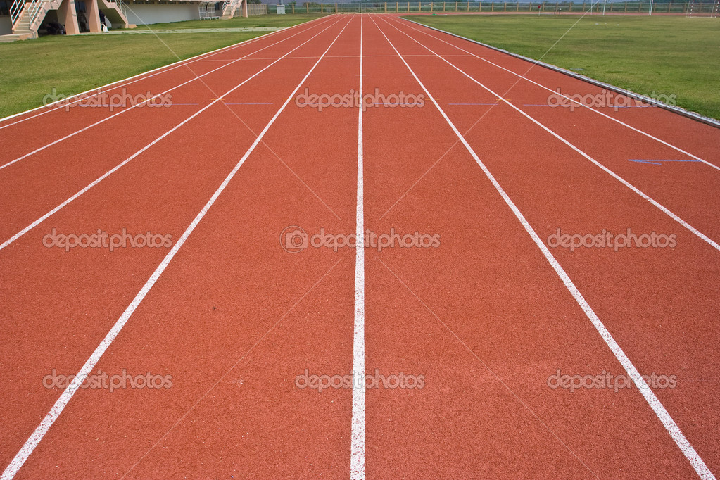 A university running track, around an football field. — Stock Photo #3111258