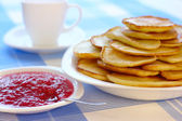 Small pancakes - Russian cuisine — Stock Photo