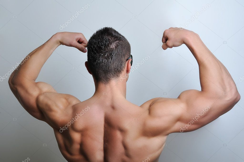 Muscle man posing — Stock Photo #3306292