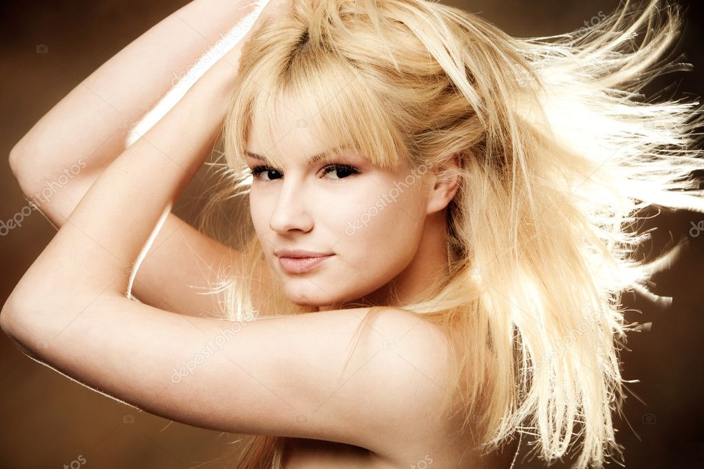 Young blond woman beauty portrait , studio shot — Stock Photo #3172436